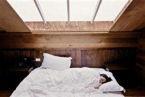 CBD gegen Schlafstoerungen - CBD zum Einschlafen